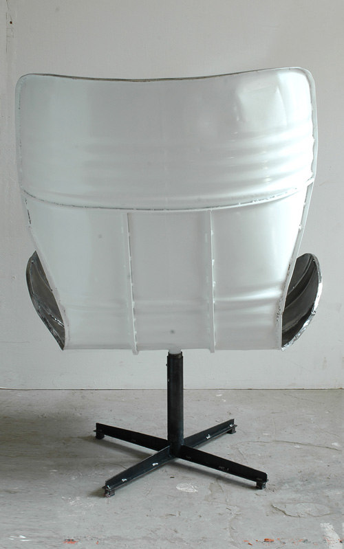 M02GJA02-whiteBack
